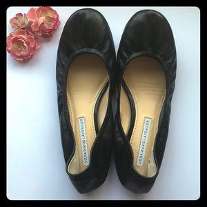 Vera Wang Lavender Label Black Flats